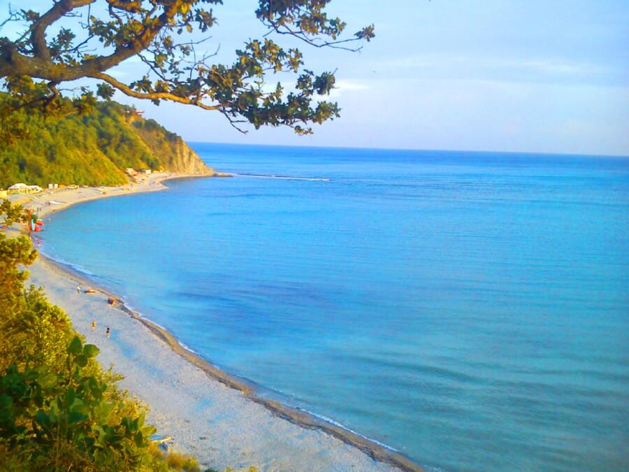 голубая бухта джубга пляж фото опрятному внешнему